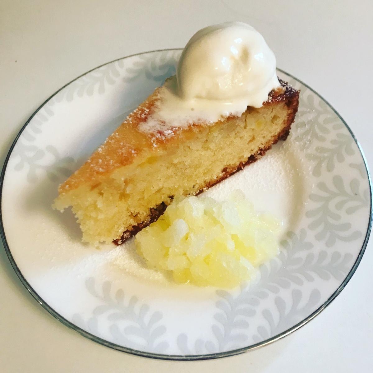 Pineapple and almondcake